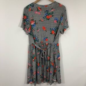 ASOS Dresses - ASOS Gingham Floral Dress